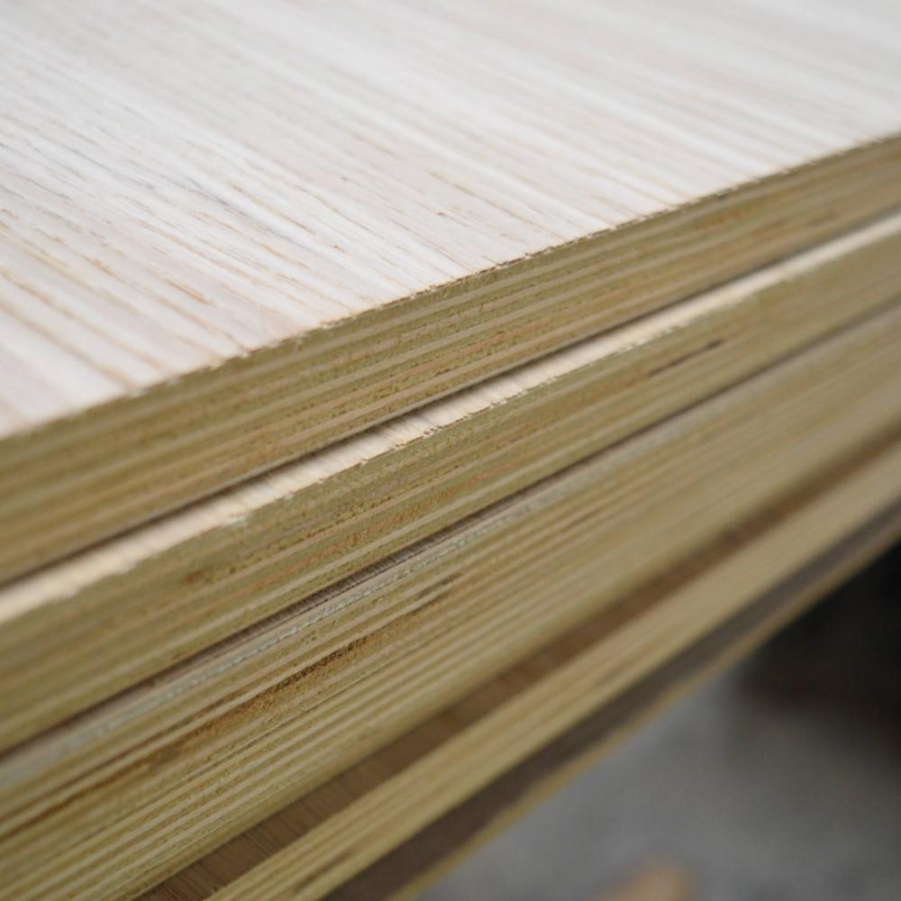 Oak Veneered Birch Plywood – A/B - 2440 x 1220 x 18mm